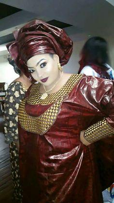 Malian Fashion bazin #Malifashion #bazin #malianwomenarebeautiful #dimancheabamako #mussoro #malianwedding #bazinriche #brodé #brocade #teinture #gala  #lesmaliennesontbelles African Attire, African Fashion Dresses, African Wear, African Women, Africa Fashion, Ethnic Fashion, Modem, Africa Dress, African Traditional Dresses