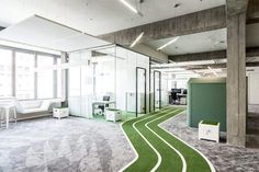 Office GOALS Wed opt for meetings on the track any day. This office at in Berlin boasts a three-lane running track that weaves around the office. In addition turfed areas for goals encourage penalty shoot outs during lunch breaks Open Office, Cool Office, Office Ideas, Corporate Interiors, Office Interiors, Sports Office, Running Track, Workplace Design, Industrial Office
