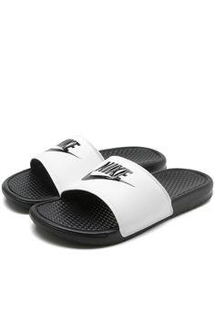 caf4509b25 Chinelo Nike Sportswear Benassi Preto