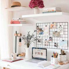 13/ago/2020 - Neste post eu vou mostrar 5 jeitos baratos de você criar seu home office pequeno, assim você escolhe o que cabe na sua casa e funciona para a sua rotina.