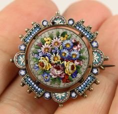 Superb-antique-Victorian-c-1890-silver-Italian-micro-mosaic-glass-brooch-pin
