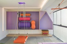 Clínica Terapias Integradas Neuropedia — TRAAMA Learning Place, Occupational Therapy, Loft, Bed, Furniture, Home Decor, Special Needs Kids, Children's Clinic, Opposite Colors