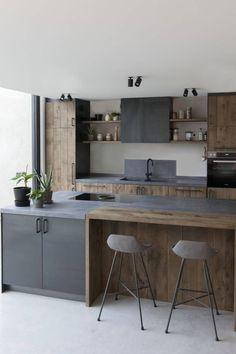 eksempler på luksus køkken design til at inspirere dig - Jack West Industrial Kitchen Design, Kitchen Room Design, Luxury Kitchen Design, Kitchen Cabinet Design, Luxury Kitchens, Home Decor Kitchen, Interior Design Kitchen, Home Kitchens, Kitchen Colors