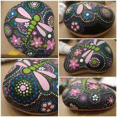 mandala libelula firefly Image by arielkris Stone Art Painting, Dot Art Painting, Mandala Painting, Pebble Painting, Pebble Art, Mandala Painted Rocks, Painted Rocks Craft, Mandala Rocks, Hand Painted Rocks