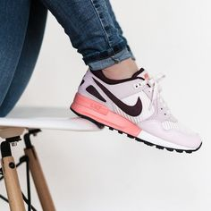 00a07b54f8937 Girlsonmyfeet   New website coming soon. Chaussure Nike Fille · Chaussures  Femme · Basket Tendance ...