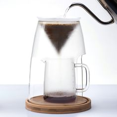 As compared to other single-cup pour over brewers, MCM has a slightly slower extraction speed. This better develops natural sweetness and balances the sparkling acidity of a light-roasted coffee.