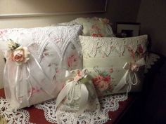 Lace pillows ~ so CHIC ! Do it yourself - use old pillowcase, crochet doily lace and textile flovers. Mix up all together to create own decoratyion! Sewing Pillows, Diy Pillows, Decorative Pillows, Lace Pillows, Shabby Chic Pillows, Shabby Chic Decor, Chabby Chic, Victorian Decor, Linens And Lace