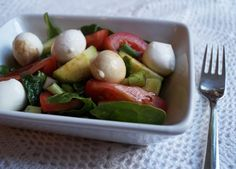 tomato bocconcini salad Recipe Low Carb Recipes, Salad Recipes, Salads, Dressing, Gluten Free, Foods, Chicken, Food Food, Salad