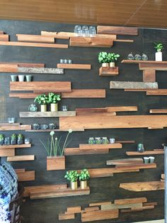 Wall for downstairs suggestion Urban Bedroom, Sage Green Walls, Cheap Wall Decor, Slat Wall, Shelf Ideas, Office Interiors, House Plants, Showroom, Projects To Try
