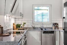 #styling #homestyling #kitchen  #kök Totalrenoverad villa i Täby | Move2