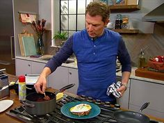 Watch videos from Cooking Channel shows and chefs. Learn to prepare feature recipes and relive your favorite moments Bobby Flay Recipes, Chef Recipes, Food Network Recipes, Cooking Recipes, Bobby Flay Brunch, Cooking Channel Shows, Recipe For Mom, Chefs, Catering