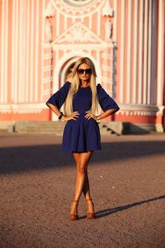 i LOVE THIS DRESS CUT!