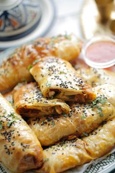 Poffertjes, Savory Pastry, Small Meals, Light Recipes, High Tea, Diy Food, Healthy Snacks, Chicken Recipes, Brunch