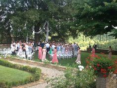 Bridesmaids arriving. Wedding at @dievole @violamalva www.originaltuscanwedding.com