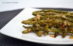 Haricots verts grillés au parmesan.  Recette qui convient très bien pour l'apéro ou pour accompagner des grillades :-)