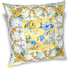 pillow from a vintage hanky (via More than a craft…♥)