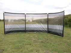 Outwell Round Windscreen review - This windbreak features horizontal top bars, but unlike similar modern windbreaks these bars are made to a set curve (© Practical Motorhome/James Stanbury)