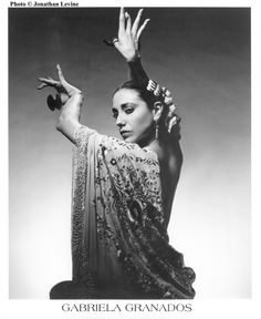 A Queens NY performing arts organization specializing in various forms of Spanish dance - Flamenco, Classical and Regional Folk dances, and Escuela Bolera. Burlesque, Dancer Photography, Spanish Dancer, Spanish Gypsy, Belly Dancing Classes, Dance Movement, Dance Class, Dance Poses, Dance Company