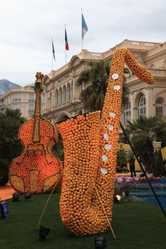 Instruments in oranges at La Fête du Citron [The Lemon Festival] of 2006 in Menton, France, on the Riviera. Click through for many, many more photos of this amazing event that's celebrating its 80th anniversary in 2013. Site (English version) with official information: http://www.fete-du-citron.com/#/english