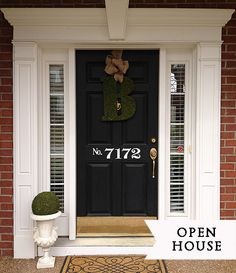 Come on in for a home tour at Christy's Nashville, Tennessee home (courtesy of 11 Magnolia Lane).