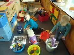 milieustraat Preschool Lessons, Recycling Bins, Earth Day, Projects To Try, Crafts, Remainders, Environment, Recycling, Middle