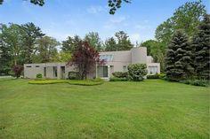 1 Carriage Drive Old Westbury NY | The Maria Babaev Team | Douglas Elliman Real Estate