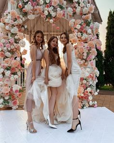 #wedding #свадьба #девичник #fashion #style Wedding Blog, Wedding Day, Bridesmaid Dresses, Wedding Dresses, Just Married, Flowers, Inspiration, Beauty, Decoration