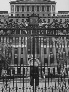Main Gates of original facade of Belleview Hospital ( Used in the movie - Extreme Measures with Hugh Grant ) Stewart Stewart Pillarinos Old Hospital, Abandoned Hospital, Abandoned Asylums, Abandoned Places, Haunted Places, Bellevue Hospital, Insane Asylum, Front Gates, Old Pictures