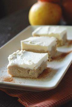 Apple Cinnamon Sugar Cookie Bars on MyRecipeMagic.com #bars #sugarcookie #apple #cinnamon
