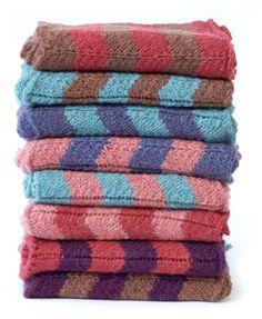 SimpliCria Chevron Cowl Free Knitting Pattern