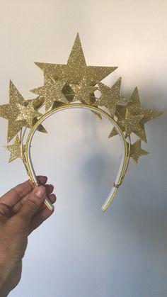 Tiara carnaval estrelas dourada glitter arco fantasia