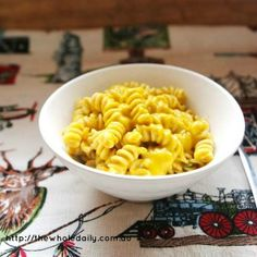 This is an excellent recipe that swaps all processed and packaged ingredients in Mac n' Cheese for something much healthier, tasty and kinder to small tummy's. Healthy School Lunches, Healthy Meals For Kids, Kids Meals, Healthy Eating, Healthy Food, Real Food Recipes, Vegetarian Recipes, Healthy Recipes, Organic Pasta