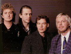 Anderson, Bruford, Wakeman, & Howe