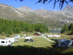 Wilde Campingplätze in der Schweiz: Vom Engadin bis ins Wallis California Camping, Wilde, Switzerland, Road Trip, Mountains, Nature, Travel, Learn To Surf, Modern Wood House