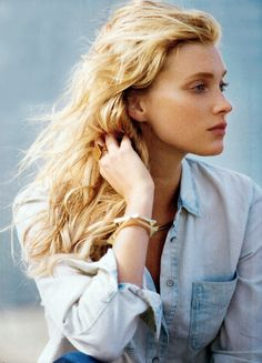 Elsa Hosk photographed by Gilles Bensimon and styled by Anne Christensen for Blue Jeans Baby editorial Glamour US January 2014 Elsa Hosk, Glamour Magazine, Img Models, Female Portrait, Woman Portrait, Hair Today, Beauty Women, Editorial Fashion, Blue Jeans