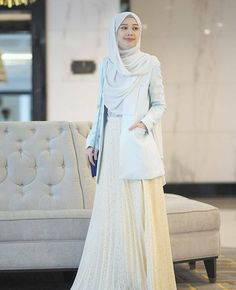 ZAFUL offers a wide selection of trendy fashion style women's clothing. Affordable prices on new tops, dresses, outerwear and more. Modern Hijab Fashion, Hijab Fashion Inspiration, Muslim Fashion, Modest Fashion, Skirt Fashion, Korean Fashion, Hijab Style Dress, Hijab Outfit, Modest Dresses