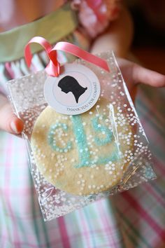 Pretty In Pink – A Girl's Monogram and Silhouette Birthday Tea Party - Monogrammed cookies by Slice of Lime Design Twin Birthday, Tea Party Birthday, Birthday Ideas, Monogram Cookies, Lace Cookies, Party Gifts, Party Favors, Duck Weed, Princess Tea Party