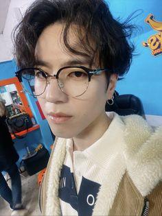Its the hair for me!!!! Youngjae, Yugeom Got7, Got7 Yugyeom, Jinyoung, Wang Jackson, I Got 7, Got7 Members, Fandom, Sweet Guys