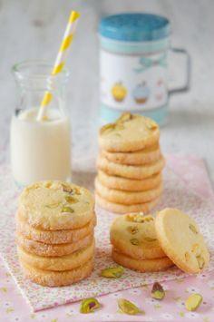 Biscoito de Congelar | Desde que você corte e asse apenas o que você vai precisar, esses biscoitos são ótimos para ter à mão se alguma visita aparecer ou quando você estiver com vontade de uns biscoitinhos.