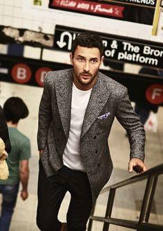 that jacket // menswear, mens style, fashion, blazer, tshirt, pocket square