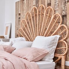 Warm Bedroom, Boho Bedroom Decor, Room Ideas Bedroom, Apartment Decorating For Couples, Rental Decorating, Vintage Bed Frame, Wicker Headboard, Master Room, Big Girl Rooms