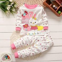 Cheap baby set, Buy Quality baby clothes set directly from China bebe clothing Suppliers: 2017 new spring autumn baby clothes set cotton baby girl clothes baby boy clothes baby set Kids bebes clothing set 2 pcs Baby Girl Pajamas, Baby Boy Romper, Cute Baby Girl, Baby Girl Newborn, Baby Girls, Girl Toddler, Newborn Outfits, Baby Boy Outfits, Kids Outfits