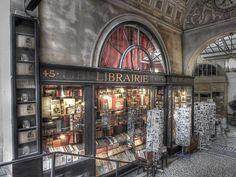 la librairie Jousseaume, Antique Bookshop, Galerie Vivienne, Paris