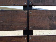 ウッドフェンス作りの板張り