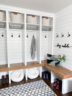 Modern Farmhouse Entryway, mudroom, mudroom ideas, mudroom laundry room ideas, m… - Home & DIY Room Design, Farmhouse Entryway, Interior, Home, Farmhouse Laundry Room, Room Inspiration, Room Remodeling, Mudroom Entryway, Mud Room Storage