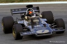 emerson fittipaldi driving the 72 in iconic john player special livery picture from http f1insight blogspot com