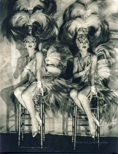 """Era """"The Dolly Sisters"""", Rose & Jenny Dolly, Ziegfeld Follies Jazz Age Showgirls Sexy, Glamourous by VintageousClassic on Etsy Burlesque Vintage, Burlesque Show, Cabaret Vintage, Vintage Dance, Vintage Circus, Wedding Vintage, Vintage Glamour, Vintage Beauty, Vintage Ladies"""
