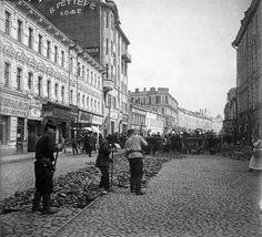 Москва. Арбат. Замена путей конки. 1908 г.