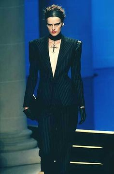 Versace - Haute Couture - Runway Collection - WomenFall / Winter 1997