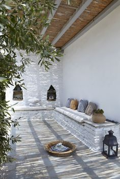 Outdoor whitewash hacienda style Moroccan patio terrace